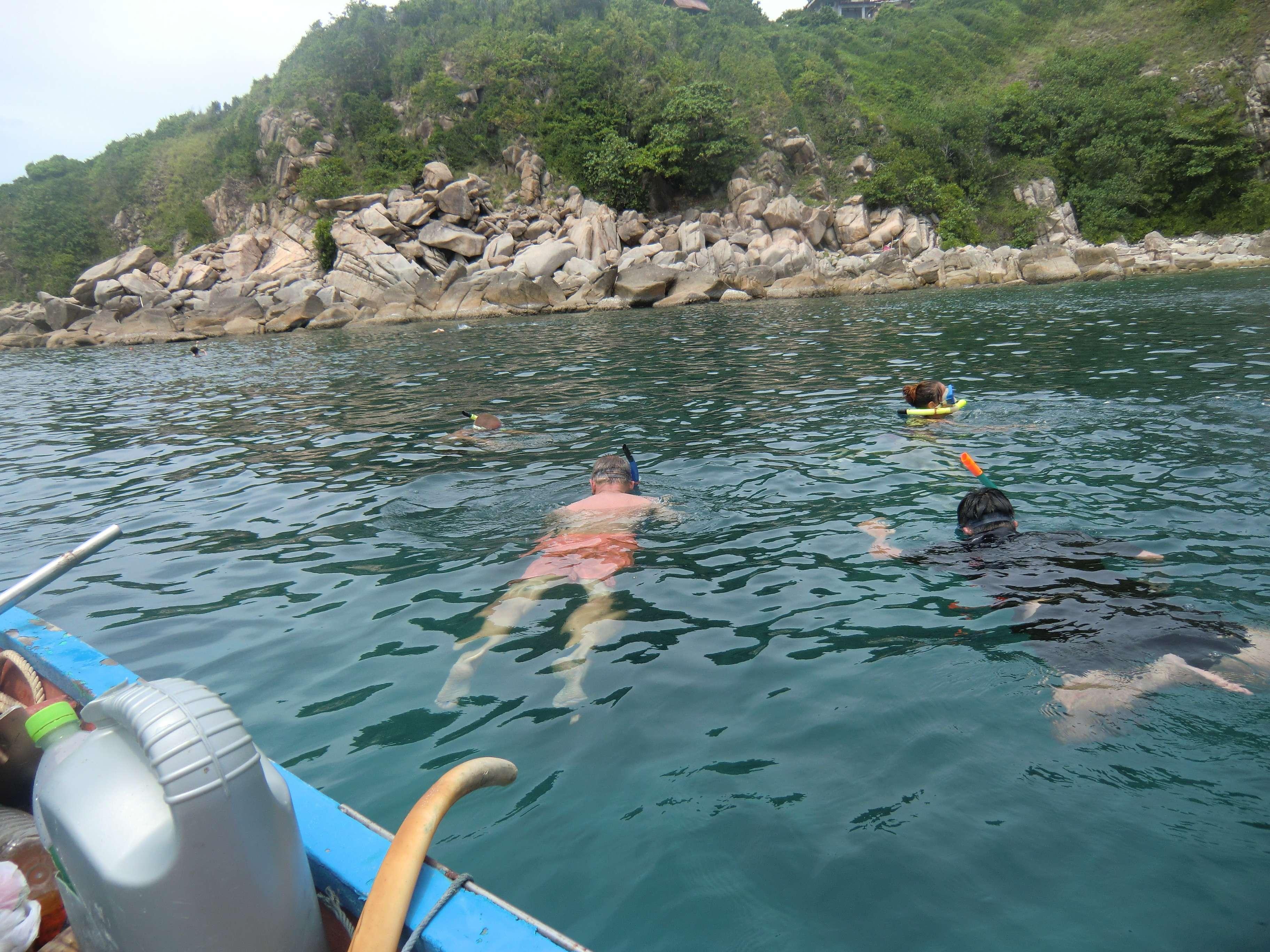 alle im Wasser, wie es sich gehört !!!!:-))